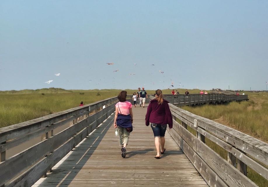 Things to Do in Long Beach - People strolling along the Long Beach Boardwalk