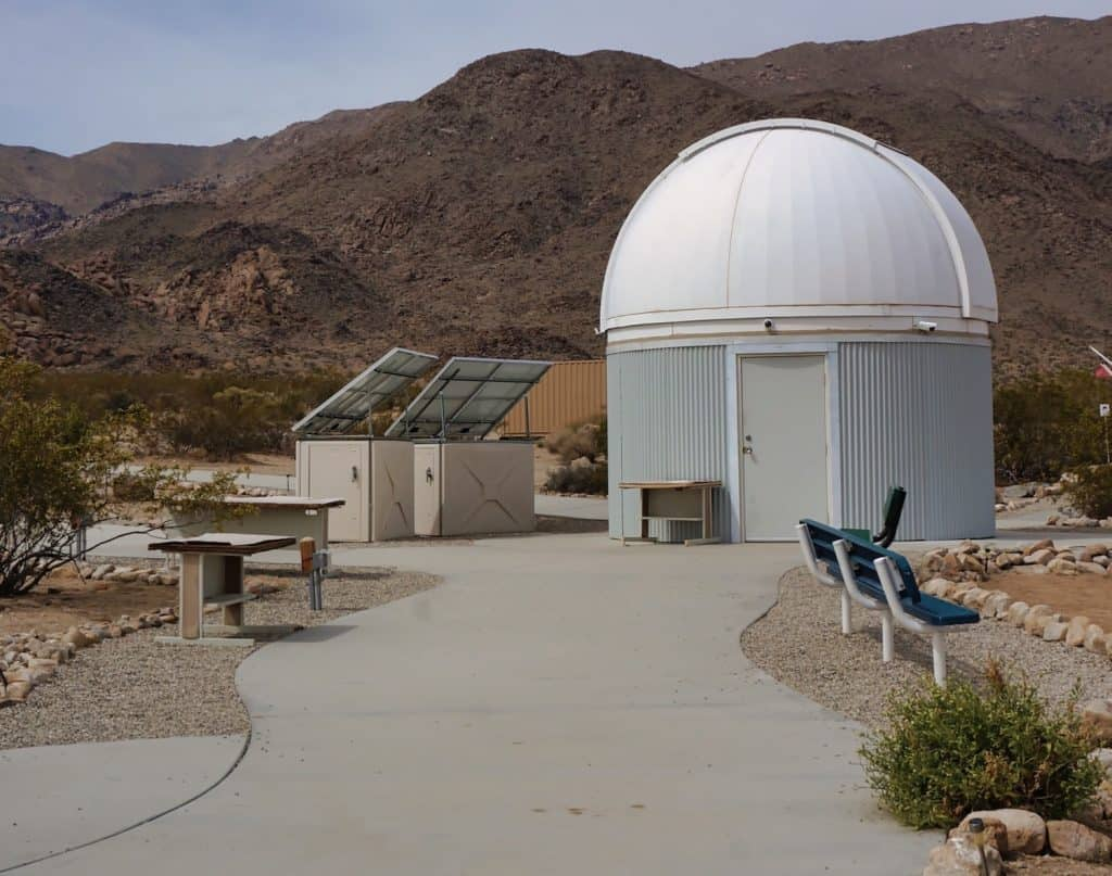 Joshua Tree Weekend Itinerary - Sky's the Limit Observatory