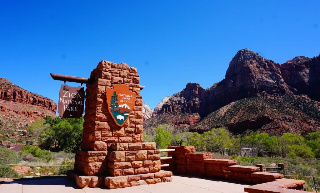 1 Day in Zion National Park - Entrance