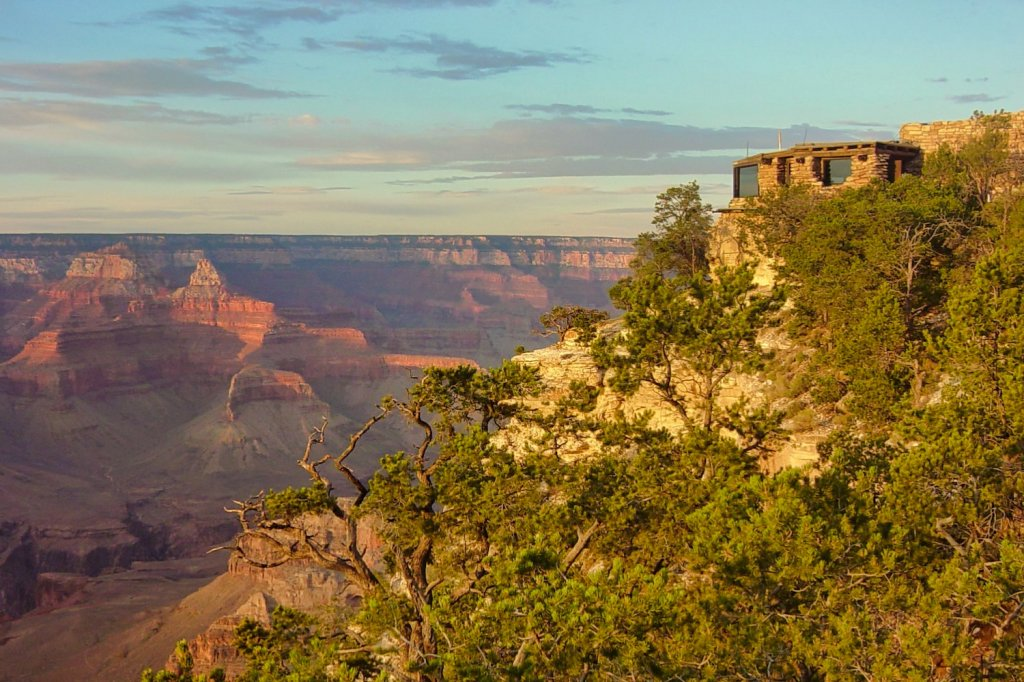 Half-Day at Grand Canyon - Yavapai Geology Museum - NPS photo by Michael Quinn