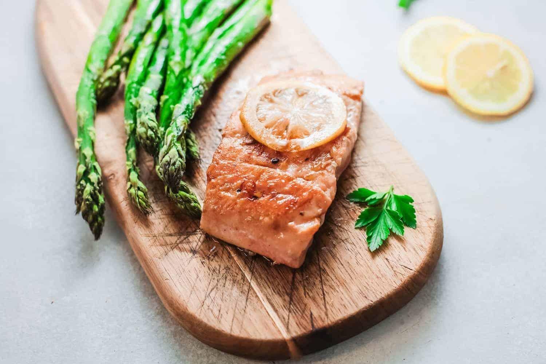 Alaskan Grilled Salmon with Lemon and Asparagus