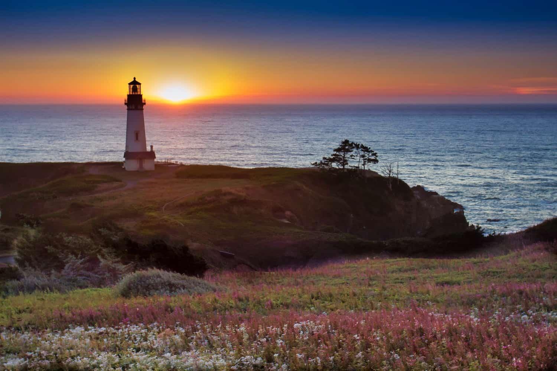 Best Coastal Towns in Oregon Hero