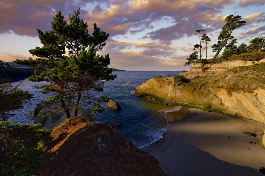 Best Coastal Towns in Oregon - Depoe Bay - Gary Benson