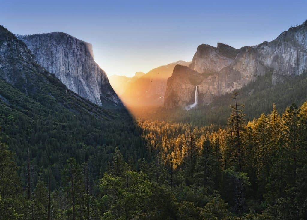 One day in Yosemite National Park- tunnel view - Justin Kern