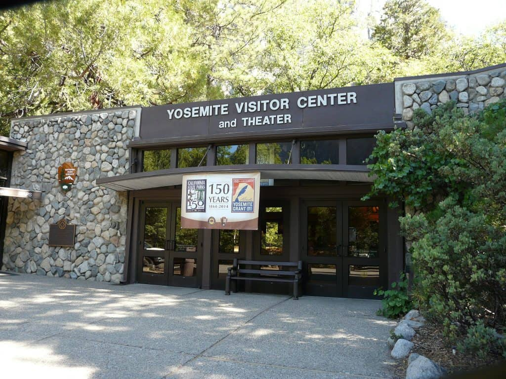 One day in Yosemite National Park - yosemite visitor center - jb10Okie